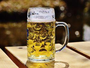 Bier-und-beer pong tische